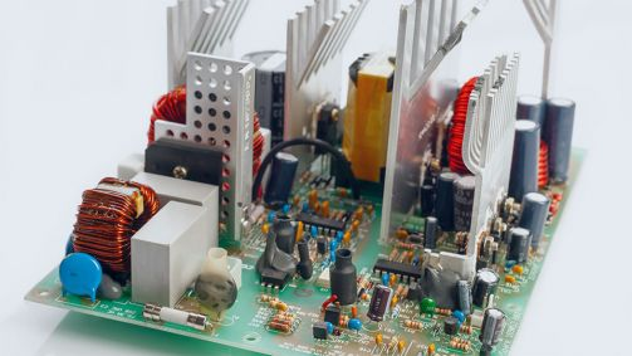 Elektronikbauteile: Per Simulation zum idealen Kühlkonzept